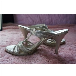 BANDOLINO RAYONA Light Gold Heels; Size 7 M